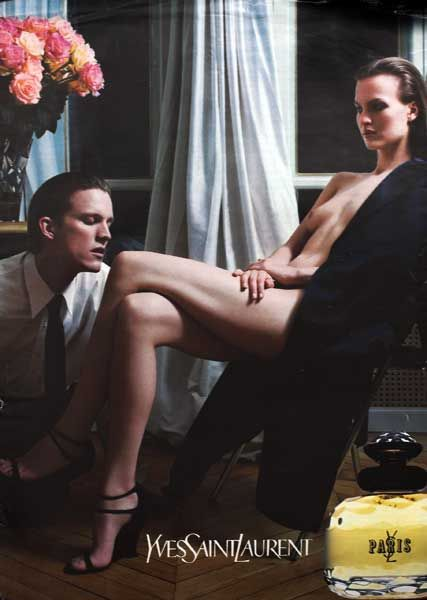 Publicité du parfum Paris de Yves Saint Laurent 2001/2002 photo Mario Sorrenti Magnus Berger et Anna Eirik