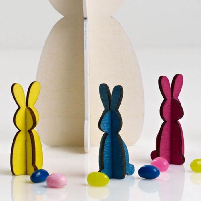 Osterdeko Ideen-freistehende Osterhasen-Figuren aus Karton oder Holz