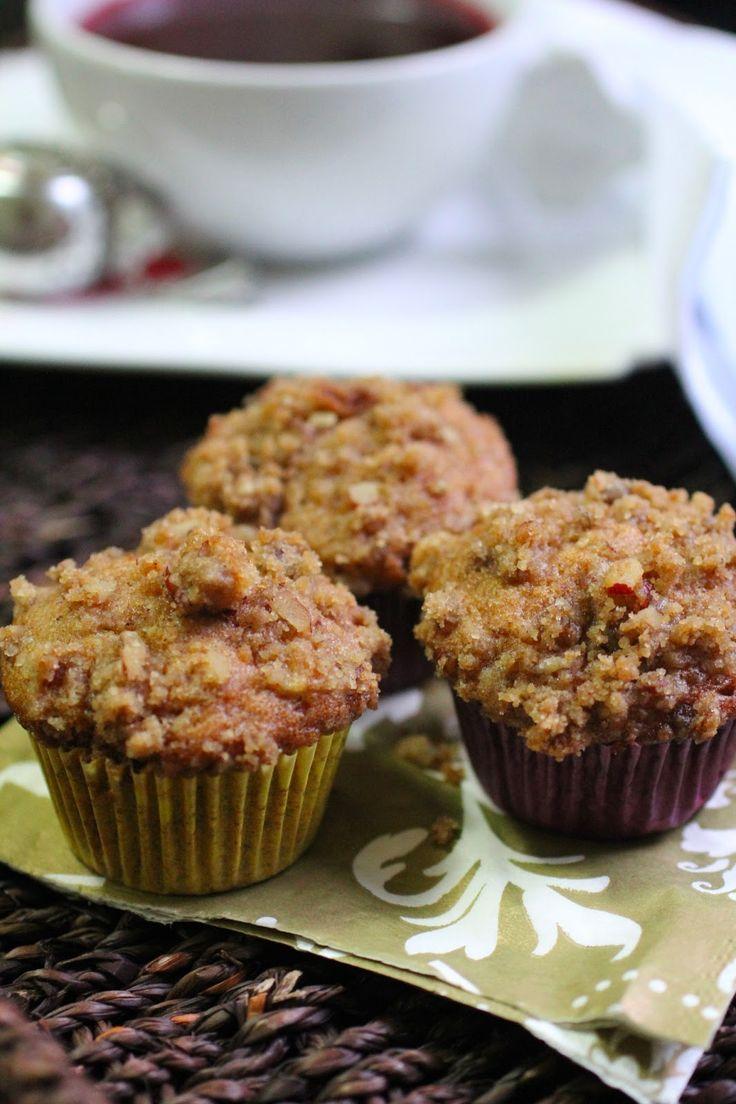 Com uma pitada de açúcar...: Mini Muffins de Banana e Canela com Streseul de Pecan