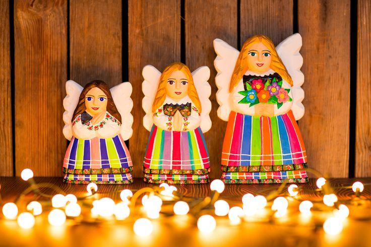 Rzeźba z drewna - sztuka ludowa - modlący się anioł - 25 cm