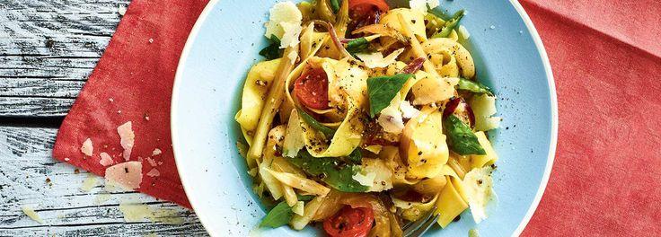 Flotter kann man ein leckeres Gericht gar nicht zubereiten! Probieren Sie das REWE-Rezept für leckere Fenchel-Pasta! Wir wünschen guten Appetit! Hier mehr »»