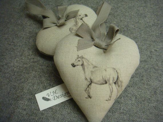 Horse design linen heart.  beautiful gift   uk designer �8.50