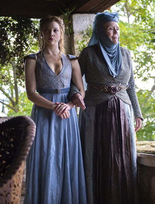 Natalie Dormer as Margaery Tyrell andDiana Rigg as Lady Olenna Tyrellin Game of Thrones (TV Series, 2014).