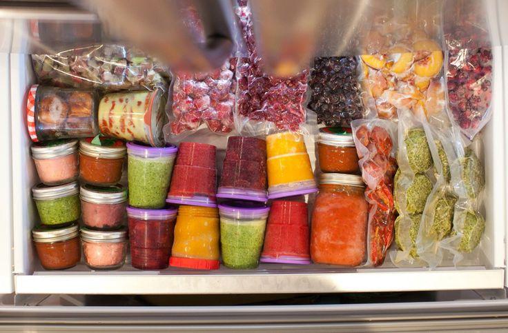 Confira essas 10 dicas para não errar na hora de congelar os alimentos no seu freezer ou congelador. Congelamento correto poupa tempo. Fique de olho!
