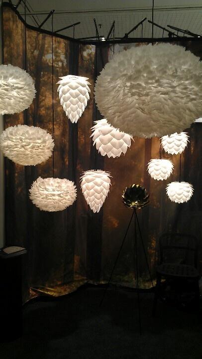 Vita Eos feather lamp  #illuminazione #GiussaniCasa