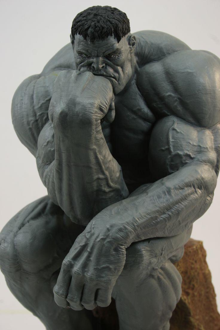 Creación propia de Hulk Pensador, realizado en plastilina y epoxi.