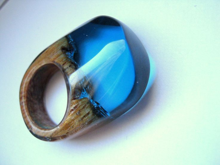 Polyester acrylic resin and wood Atelier de Jade