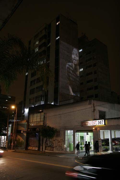 Após as intervenções na Rua Augusta através do Vídeo Guerrilha, promovidas pelo VJ Alexis Anastasiou, mais uma instalação de vídeo arte  é promovida, dessa vez no Sesc Belenzinho de 24 a 26 de fevereiro, com entrada Catraca Livre.