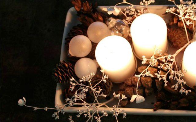 DIY julepynt af gør det selv-ting og naturmaterialer