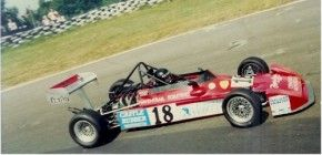 Antonia Loysen Racing her Royale
