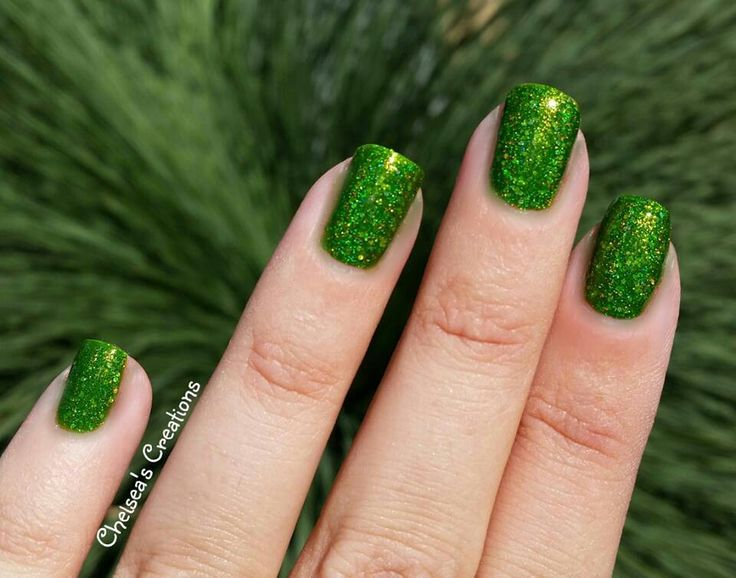Nail Stamping Queen ~ St Pat's Purse