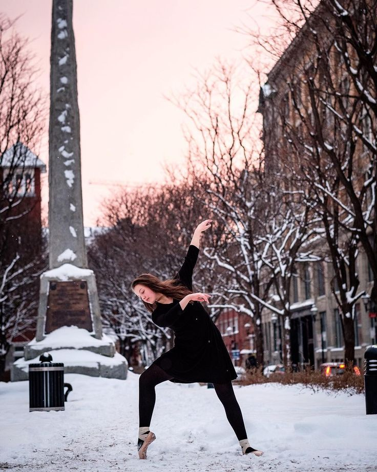 Another of the brave Suf dancing in the snow. In other news todays high in Montreal = 0F/-17C. Brrrr... definitely not going outside anytime soon!  @_suf.yam_ . . . #fujixt2 #fujilovers #fujifilm_xseries #myfujifilm #fujixseries #dance #montreal #montrealdance #mtldancers #mtl #mtldanse #montrealdancers #dancephotography #dancephotographer #dancephotoshoot #montrealphotographer #mtlmoments #dancersoninsta_feature #datwfeature #canadiandancersrock #oldmonteal #vieuxmontreal #sunset #ballet…