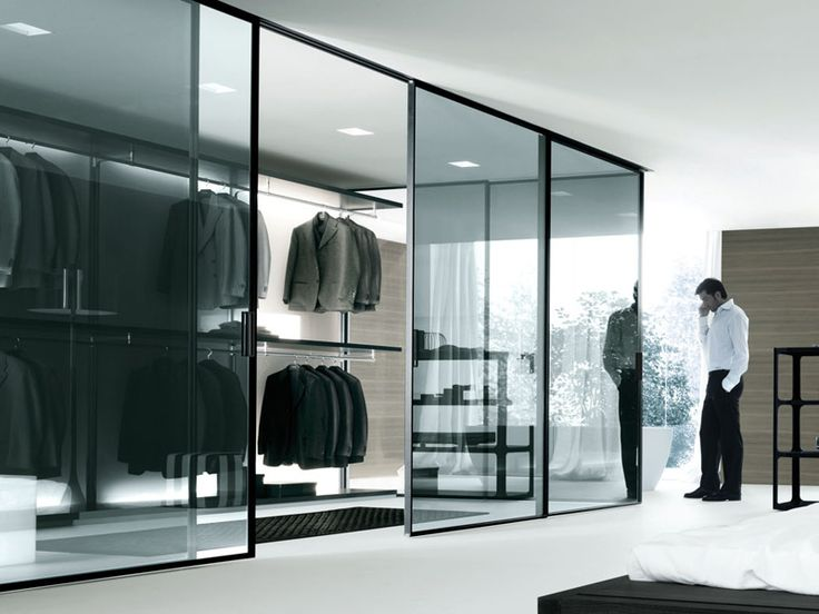 Dress Bold Walk-in Closet by Rimadesio