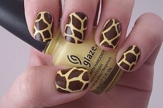 Giraffe Nails and Instructions. Savanna loves Giraffe anything.