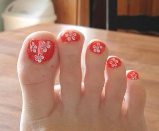 flower toenails