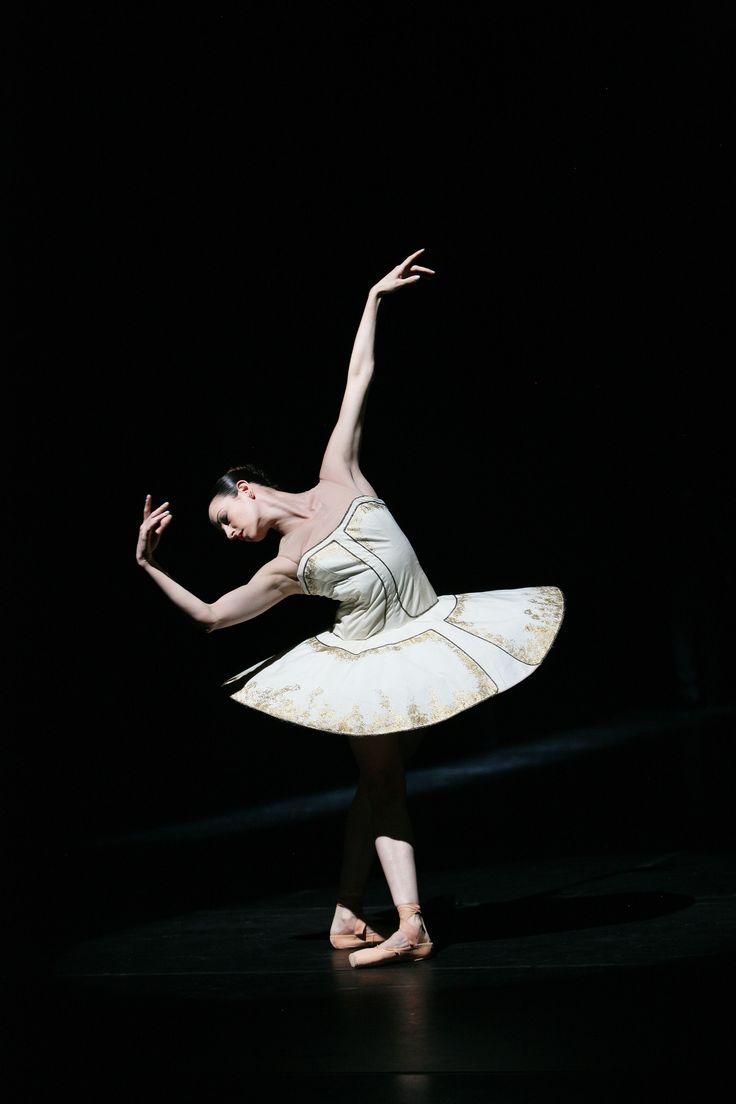 Sofia Menteguiaga, Koninklijk Ballet Vlaanderen in Tyll by Alexander Ekman © Hans Gerritsen