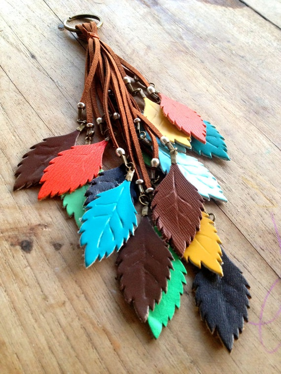 Keychain with tassel and colorful leaf leather by BeHippy on Etsy, ฿1120.00