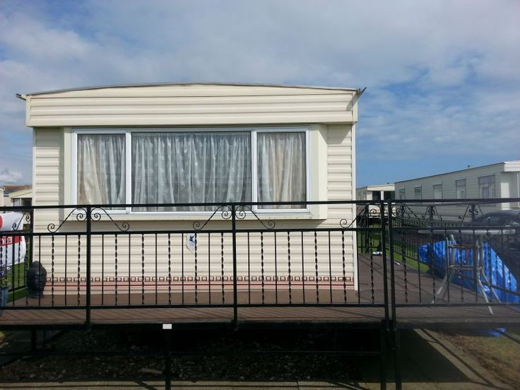 Caravan to rent mablethorpe at seaside holiday village ...    3 bedrooms. .     Modern caravan..  with veranda. .     Clubs on site.    food on site .. small crazy golf .. outdoor pool .. direct beach access.. close to queens park             Few dates left 2014         ALL DATES AVAILABLE FOR 2015        RING FOR DETAILS !             Smoker allowed but only must smoke outside of the Caravan         Prices from £250 depending on dates Please contact for availabilty        Pics to follow ...