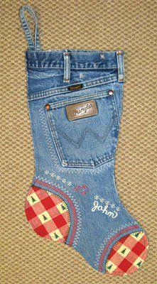 Meia de natal feita com reciclagem de jeans