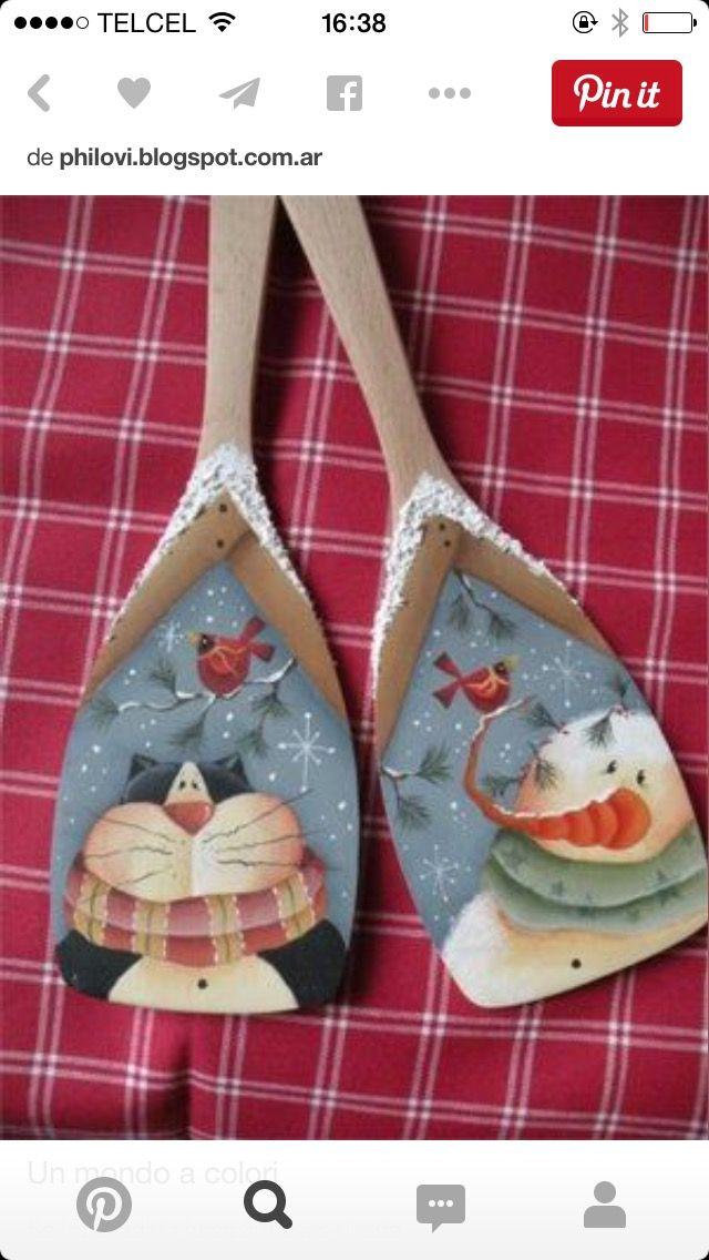 Cucharas en madera decoradas