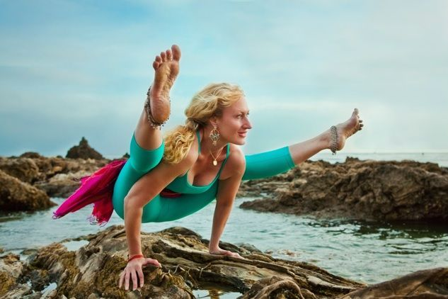 Fly away! Yoga for super women.