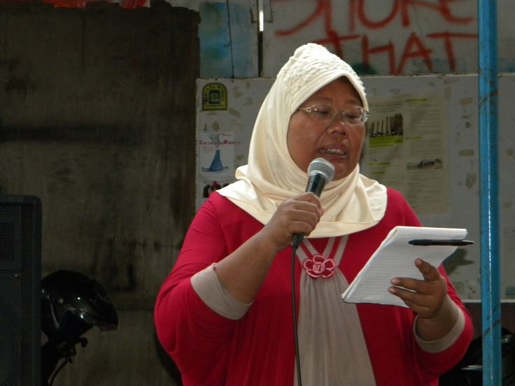 ..Siti Murkanti, one of the member of Indonesian Women Coalition of Yogyakarta read my poem titled Siapakah Sang Manusia Pelenyap Sang Manusia?..