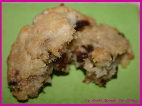 Cookies Moelleux Ces cookies ont une petite particularité : il n'y a pas de jaune d'oeuf dans cette recette. Cela ne change en rien leur goût, bien au contraire ! Ils sont très moelleux à l'intérieur et légèrement croquants à l'extérieur. Cette recette...