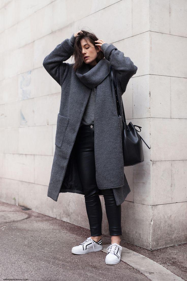 Fuzzy Grey Coat I More on viennawedekind.com