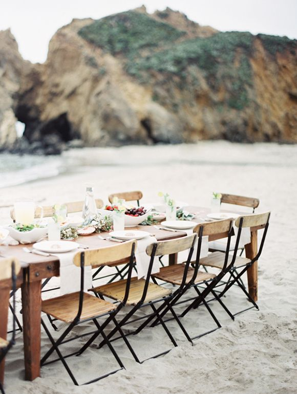 Intimate dinners are the best. Just you and your closest friends, under the stars ...