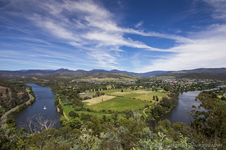 New Norfolk In Summer | Summer time New Norfolk, Tasmania. Taken from Pulpit Rock look out.