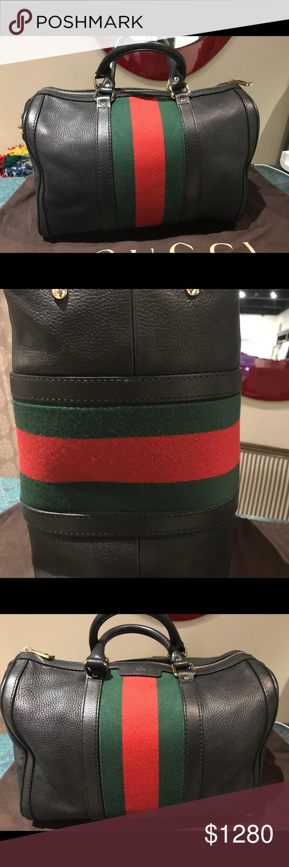 Authentic Gucci Handbag  Perfect condition, I bought in the Gucci Store of Merrick Park Florida.  Real leather Gucci Bags