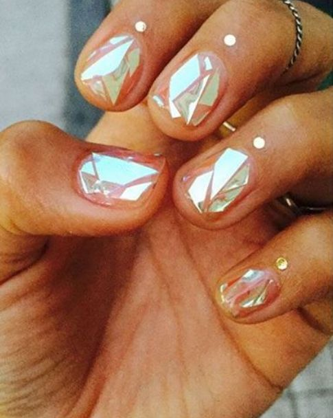 Glass so sharp it could cut you. | Women Are Getting Shattered-Glass Nails And It's As Awesome As It Sounds
