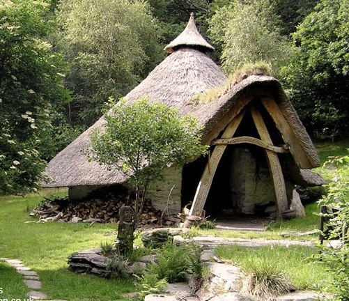 24 best images about unusual homes on pinterest cob houses unusual homes and hobbit - Romanian wooden houses when nature and tradition come together ...