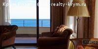"""#Ялта #Продажа: Квартира (208,5 м2) в Приморском парке ЖК """"ОМЕГА""""  Продаётся шикарная просторная квартира общей площадью 208,5 кв.м., с восхитительным видом на море, расположенная на 6 этаже 15-ти этажного нового дома в Приморском парке Ялты. В квартире 2 спальни,  кабинет, кухня- гостиная, гардеробная, 2 санузла и 2 просторные открытые террасы с панорамным видом на море и горы. Теплые полы, инверторная система кондиционирования, встроенная бытовая техника, итальянская мебель, скоростной…"""