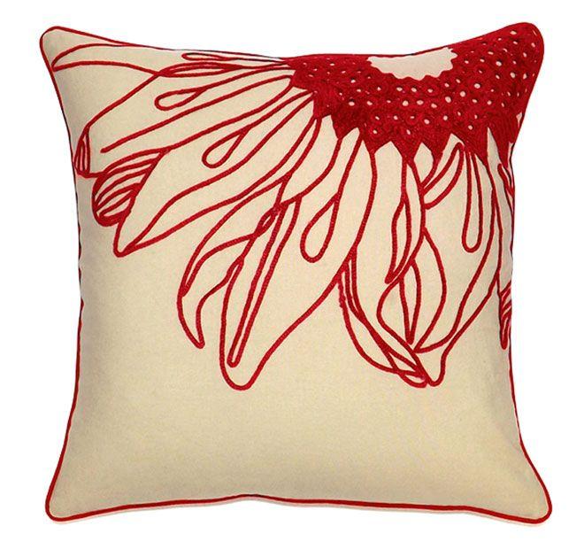 DG37 Daisy Chenille 45x45cm Filled Cushion Red