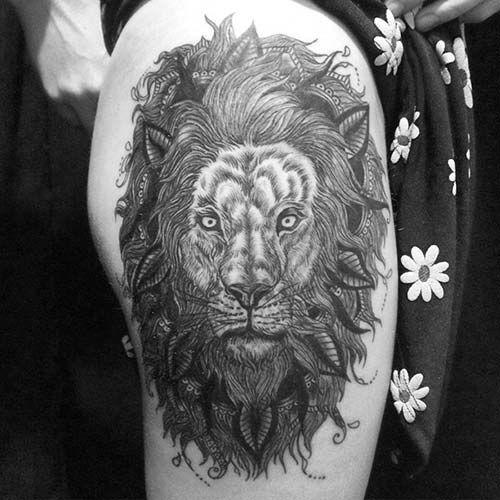 woman hip big lion head tattoo kadın kalça ve bacak büyük aslan başı dövmesi