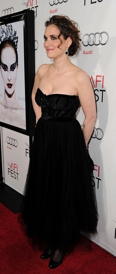 Who made Winona Ryder's black strapless dress that she wore to the the screening of Black Swan?