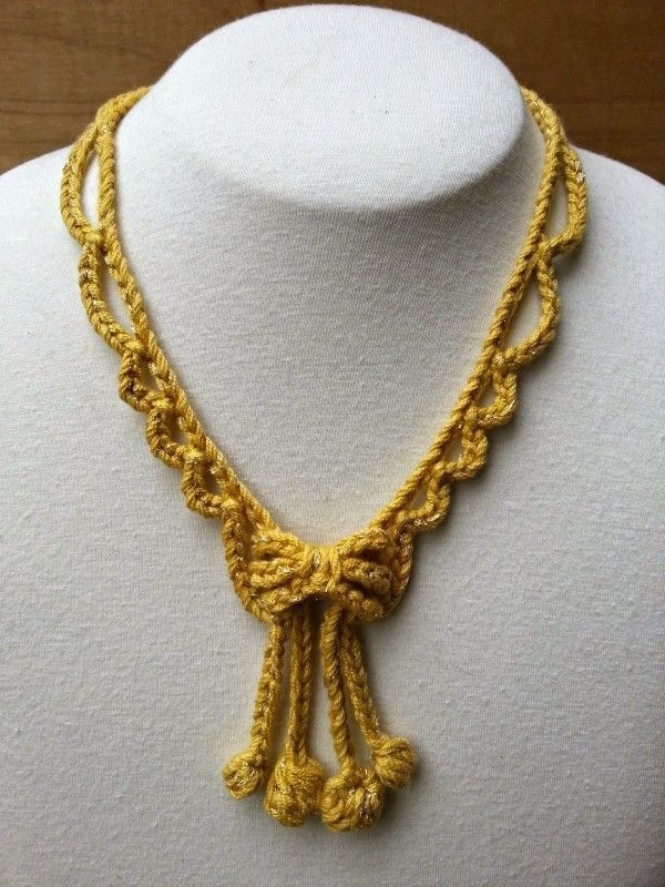 Crochet Necklace free pattern.