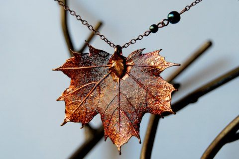 Seems a bit large to pull off, but this might be the most magical necklace I have ever seen. <3 Autumn