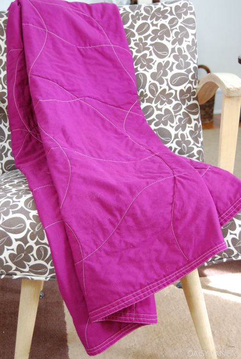 Fabulous Quilt Tutorial For The Non-Quilter!!  Use Two Sheets, Batting of Your Choice (an old blanket would even work), Trim, Sew Up Edges, Crazy Stitch Any Way You Want. Tutorial says it took her an Hour and a Half!