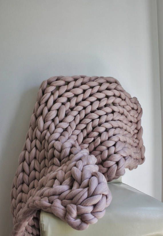 Chunky Knit Blanket Super Chunky Mink Knit Throw Blush Pink Merino Blanket Giant Knit Blanket Thick Knit Wool Throw Housewarming Gift Knitted Throws Knitted Blankets Giant Knit Blanket