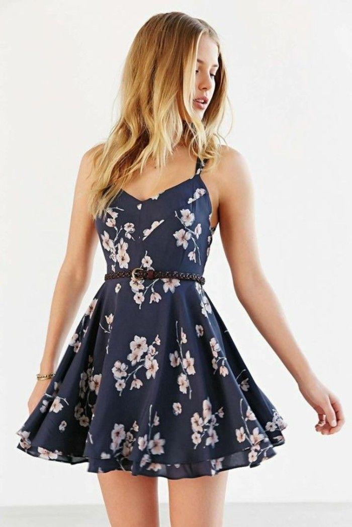 Kleid mit Blumenmuster – Blumen sind angesagt, aber wie kann man das Blumenkleid tragen? – Freshideen
