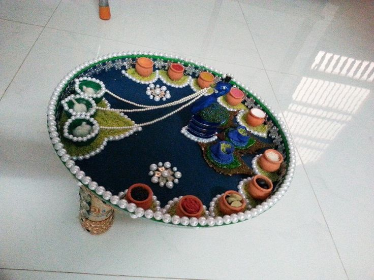 1000 images about pooja thali di ya thali mahendi thali for Aarti thali decoration pictures