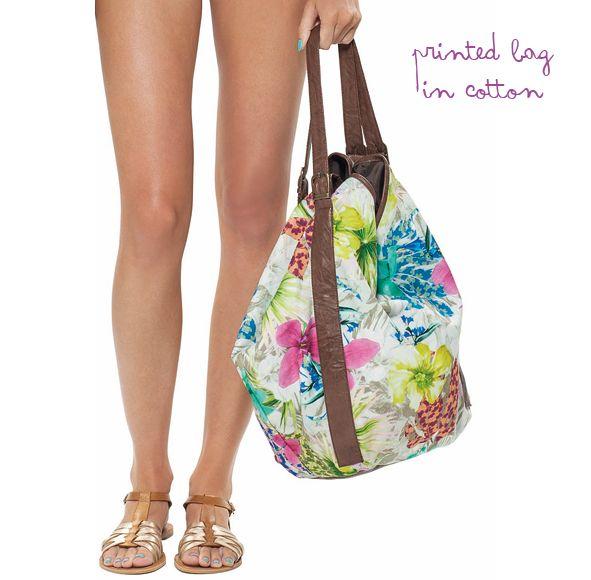 una colorida bolsa en algodón de nuestra última colección, tropicalia.  #bag #beyondbodies  #summer
