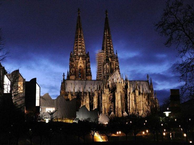 Im Schatten des Doms, dem Kölner Wahrzeichen, hat sich das Drama abgespielt. Nun spricht die ganze Welt über die Übergriffe, die sich hier an Silvester abgespielt haben.