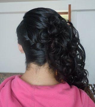 Peinado con trenza de lado y cascada con rizos mis - Peinados de fiesta con rizos ...