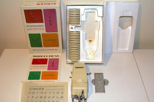 singer sewing machine monogrammer