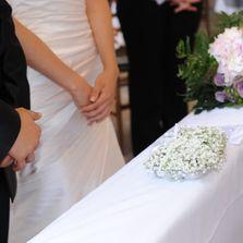 Cuscino di fiori per le fedi | Wedding designer & planner Monia Re - www.moniare.com | Organizzazione e pianificazione Kairòs Eventi -www.kairoseventi.it