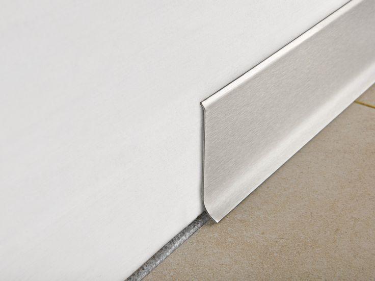 Fußleiste aus gebürstetem Stahl SOCKELLEISTE 60