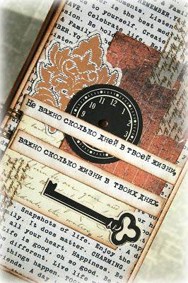 Данный мастер-класс также опубликован в блоге Scrapushka.ru, где я являюсь одним из дизайнеров)) Мне хотелось бы поделиться с вами идеей как сделать полезный подарок мужчине своими руками(ведь они любят всё практичное и полезное..) Для начала собираем в кучу все мужские бумажки которые у нас имеются.. у меня это остатки от мужской коллекции Примы, и немного Терзы Коллинс Распечатываем листы с…